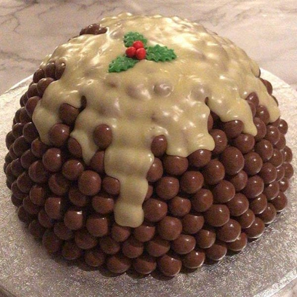 Colline's Kitchen malteaser christmas cake